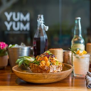 Foto von YUM YUM by GEORGE Restaurant