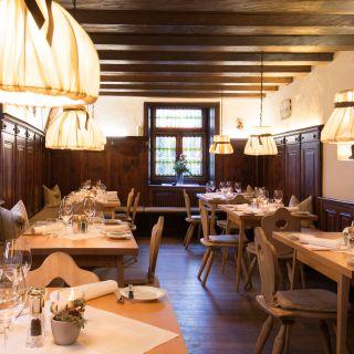 A photo of Schwarzer Adler Hotel und Restaurant restaurant