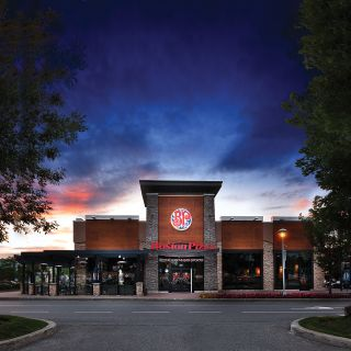 A photo of Boston Pizza - Courtney Park restaurant