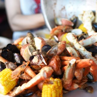 A photo of The Crab Pot Restaurant & Bar-Long Beach restaurant