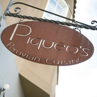 A photo of Piqueos restaurant