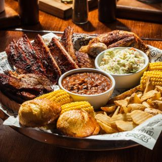Una foto del restaurante Famous Dave's - N Mesa