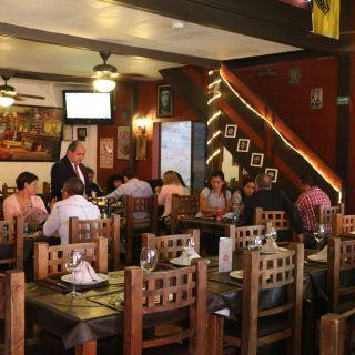 Una foto del restaurante Vía Buenos Aires