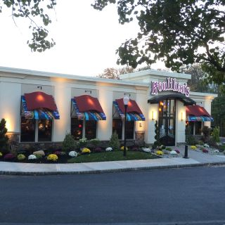 A photo of Houlihan's - Parsippany restaurant
