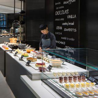 A photo of JW Cafe - JW Marriott Hotel Hong Kong restaurant