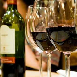 Cravings Wine Bar & Grilleの写真
