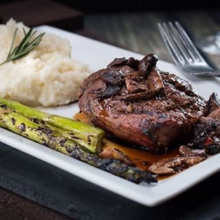 A photo of Thunder Bay Grille - Davenport restaurant