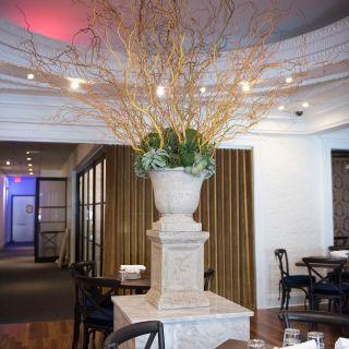 A photo of Harry & Eddie's restaurant