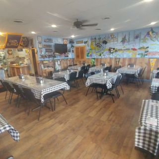 A photo of Momma Pearl's Cajun Kitchen restaurant