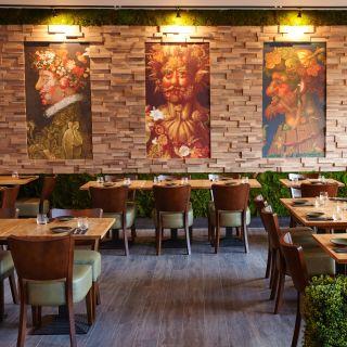A photo of Thai Square Islington restaurant