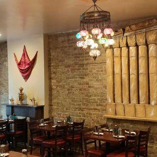 Foto von Cedar Palace Restaurant