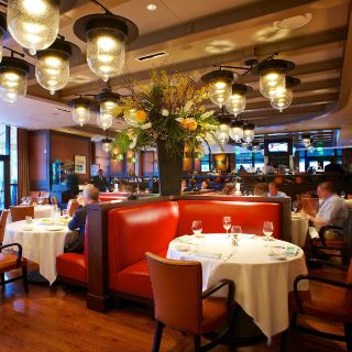 A photo of Smith & Wollensky Boston – Atlantic Wharf restaurant