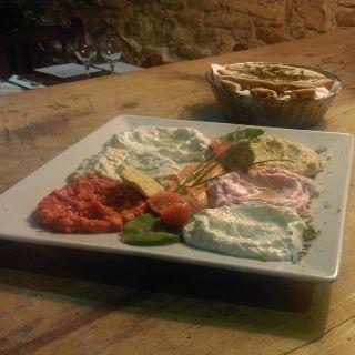Una foto del restaurante La Taberna Griega