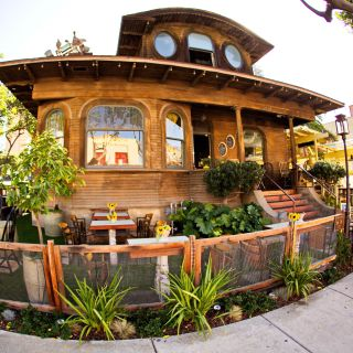 A photo of Queenstown Public House restaurant