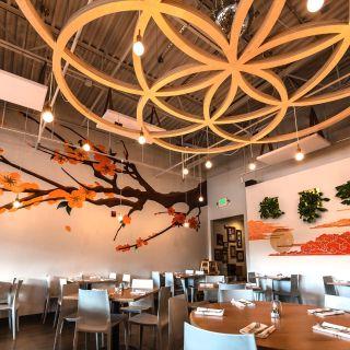 Una foto del restaurante Shine Restaurant & Potion Bar