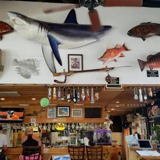 Castaway Waterfront Restaurant & Sushi Barの写真