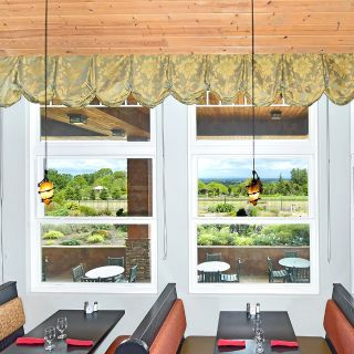 The Garden View Restaurant - Oregon Garden Resort