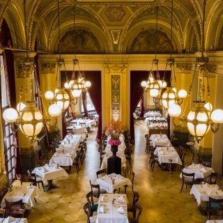 A photo of Restaurant Opera restaurant