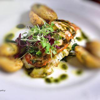 The Crescent Bar & Restaurantの写真