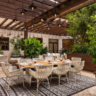 Foto von Isabelle's Grill Room and Garden Restaurant