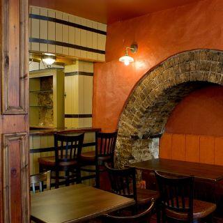 A photo of Everett's restaurant