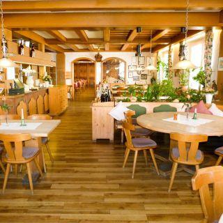 A photo of Hotel Brauerei Gasthof Höhn restaurant