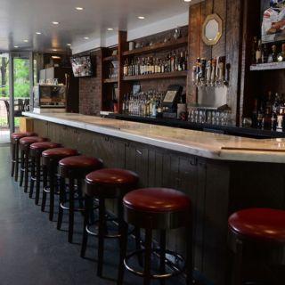 Foto von Tuttles Bar & Grill Restaurant