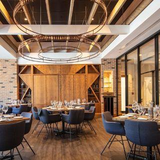 A photo of Black & Blue Steak & Crab - Burlington restaurant