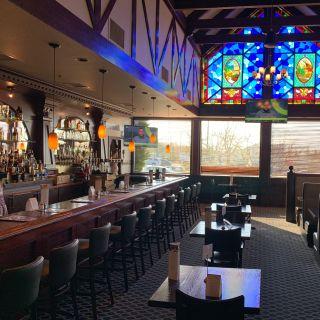 Gustav's Pub & Grill - Clackamas