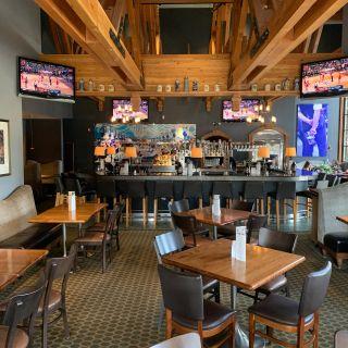 Gustav's Pub & Grill - Tigard