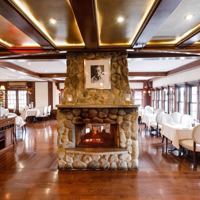 Fireplace - VIVO Mediterranean Grill & Catering, Bayside, NY