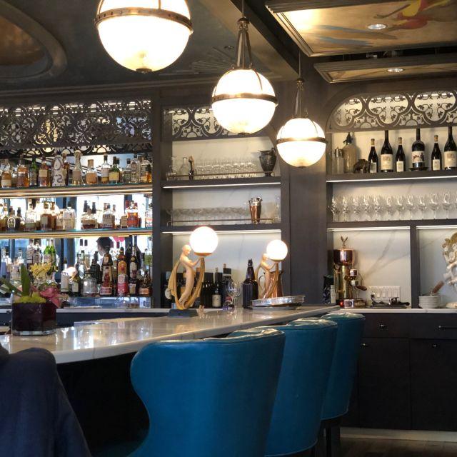 Loloan Lobby Bar, Waterloo, ON