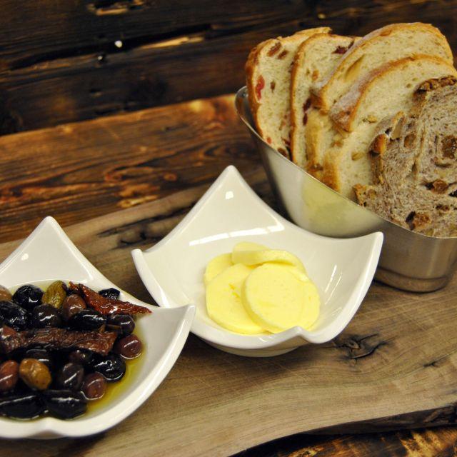 Artisan Bread - Tundra Restaurant & Bar, Toronto, ON
