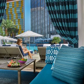 Pool Cafe & Cabanas - Waldorf Astoria, Las Vegasの写真