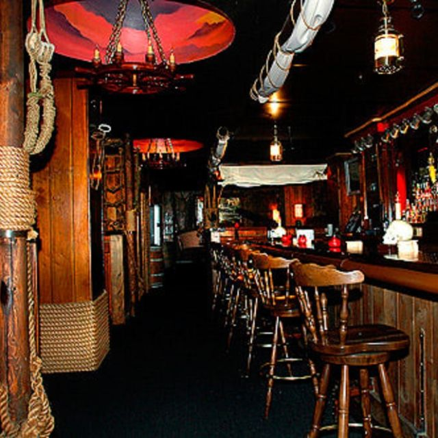 Redwood Bar & Grill, Los Angeles, CA