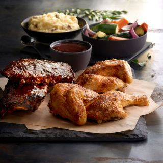 A photo of Claim Jumper - Concord restaurant