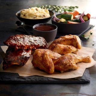A photo of Claim Jumper - Northridge restaurant