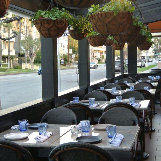 Privatepatio - Los Balcones, Studio City, CA