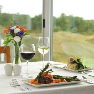 The Dining Room at Arcadia Bluffs