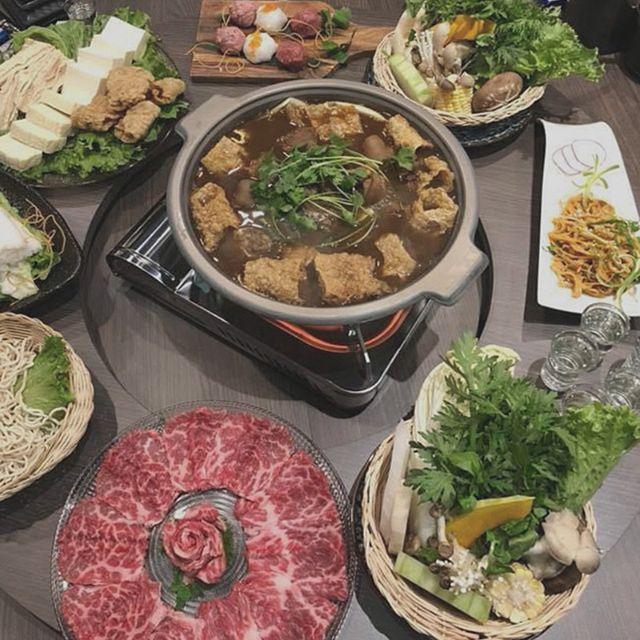 Jiang Hu Taiwanese Pot & Wok Cuisines, Richmond, BC