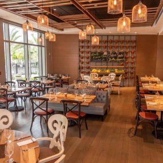 A photo of Table 55-Hilton Miami/dadeland restaurant