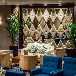 Lounge Bar at the Holiday Inn London Kensington High Streetの写真