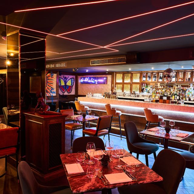 Restaurant at The Wellington, London, London