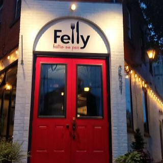 A photo of Felly Bistro On Pass restaurant