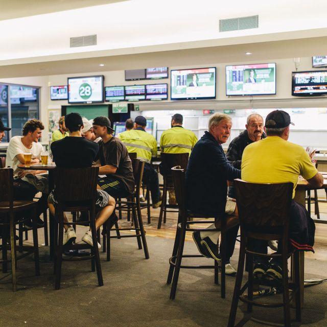 Sports Bar At The Belrose Hotel And Pub, Sydney - Belrose Hotel, Belrose, AU-NSW