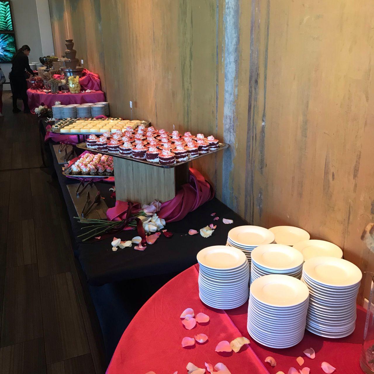 Excellent Scrollbar Waterside Kitchen Restaurant Redwood City Ca Bralicious Painted Fabric Chair Ideas Braliciousco