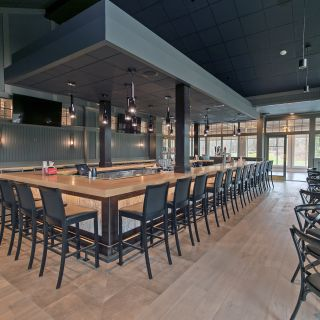 Una foto del restaurante The Grill and Tap Room at Shadow Lake Golf Club