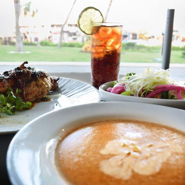 Lunch Time - Chicken & Lobster Aruba, Noord, Aruba