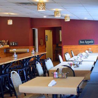 Hearth & Vine Cafe at Black Star Farms