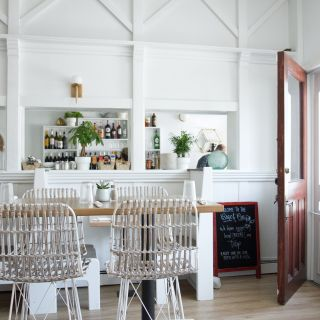 Beach Pea Kitchen & Bar